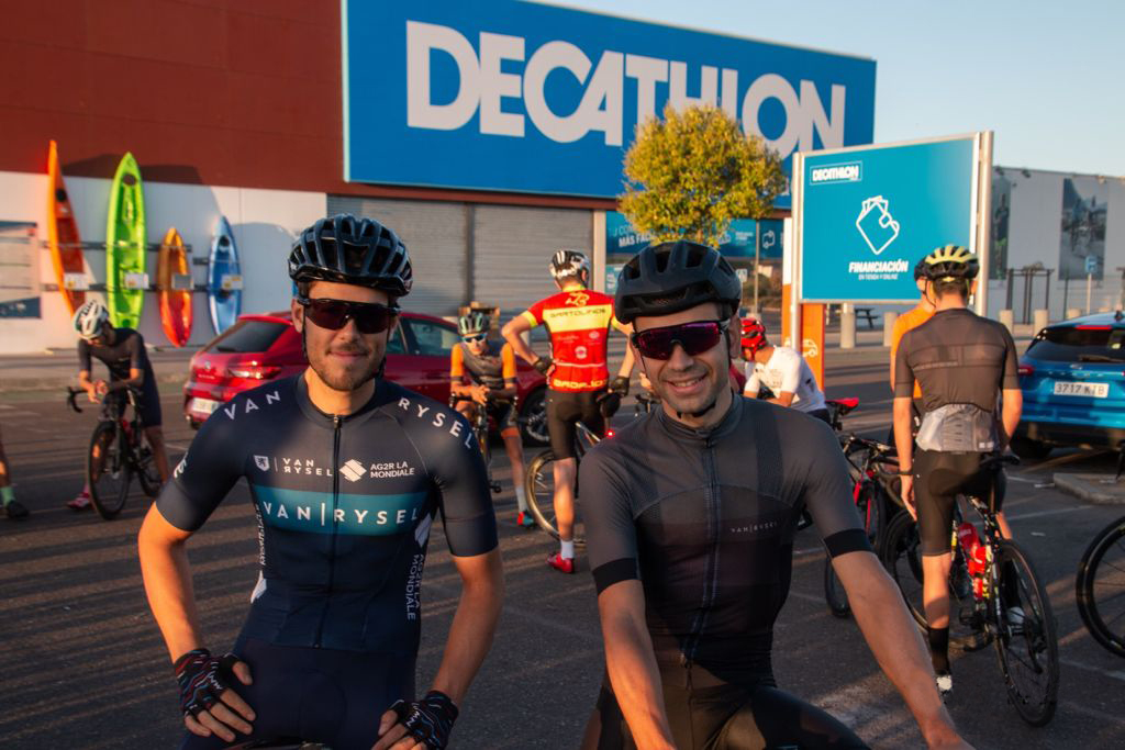 Jose, un passionné de vélo qui a trouvé sa place dans le monde dans un magasin Decathlon